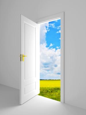 أبواب تنتظر دخولك...